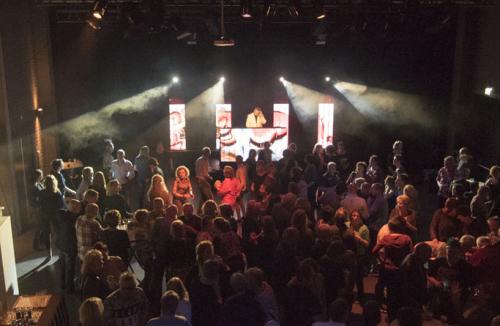 Dj in Bodegraven huren in het Evertshuis Theaterzaal Themafeest met DJ Johan Post