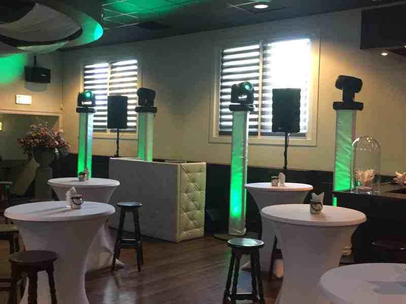 DJ met apparatuur huren in Reeuwijk in Amicitia bij Gastrij Vergeer voor zakelijk evenement met DJ Johan Post