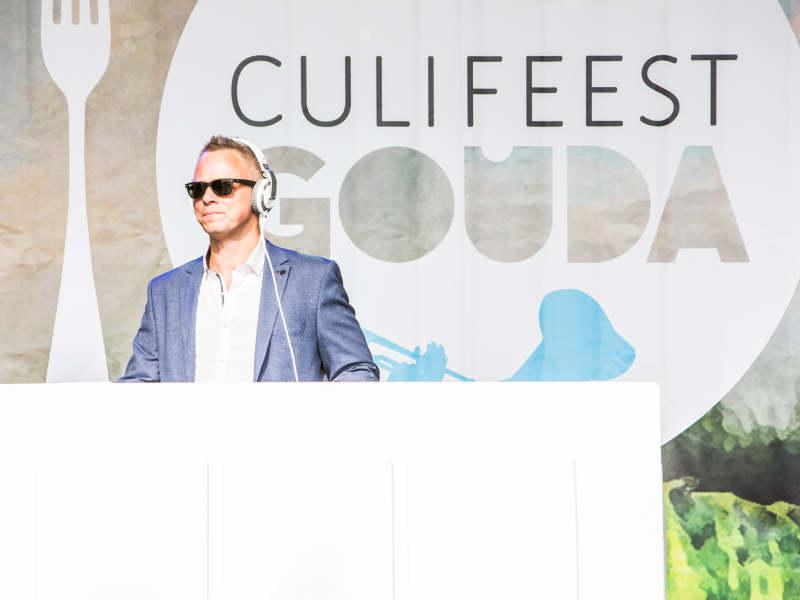 Bedrijfsfeest DJ Johan Post inhuren of boeken voor culinair openbaar event zoals Culifeest te Gouda