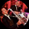 DJ met saxofonist kies voor een ervaren dj en saxofonist hier tijdens de Wedding Awards in Studio 21 te Hilversum