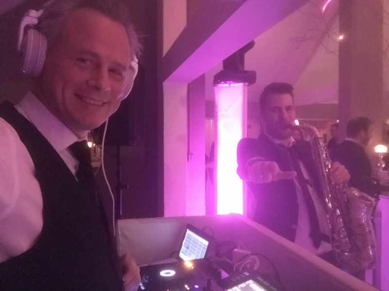 DJ in Gouda  met Exclusieve DJ Show in The Club Room van De Zalm