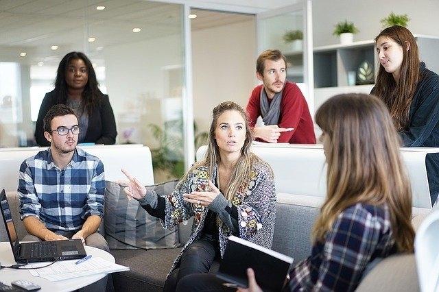 Weer samen op kantoor - Contact maken