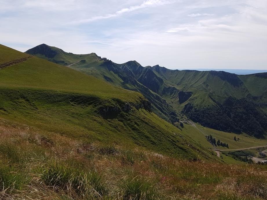 uitzicht op het dal van le mont dore