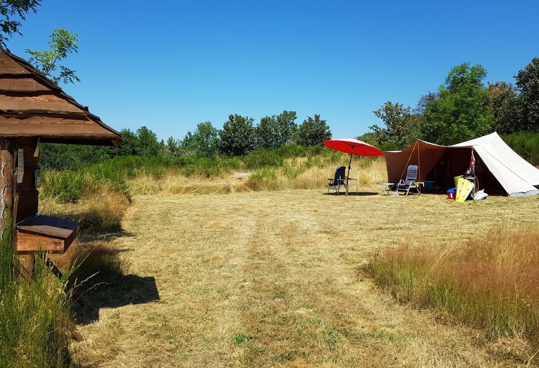 kamperen op een kleine camping