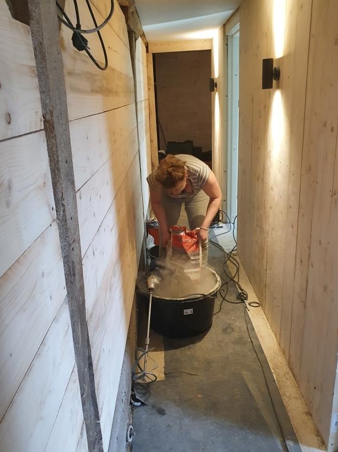 sanitair ruimte tegelen
