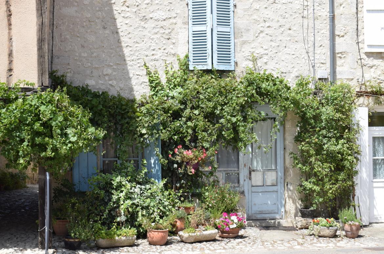 charroux is een fantastisch oud dorpje en bekend om de mosterd produktie