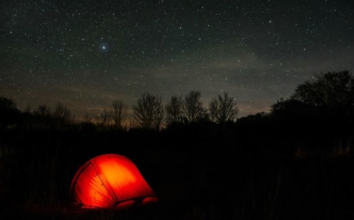 Schitterende sterrenluchten gezien vanaf het natuurkampeerterrein