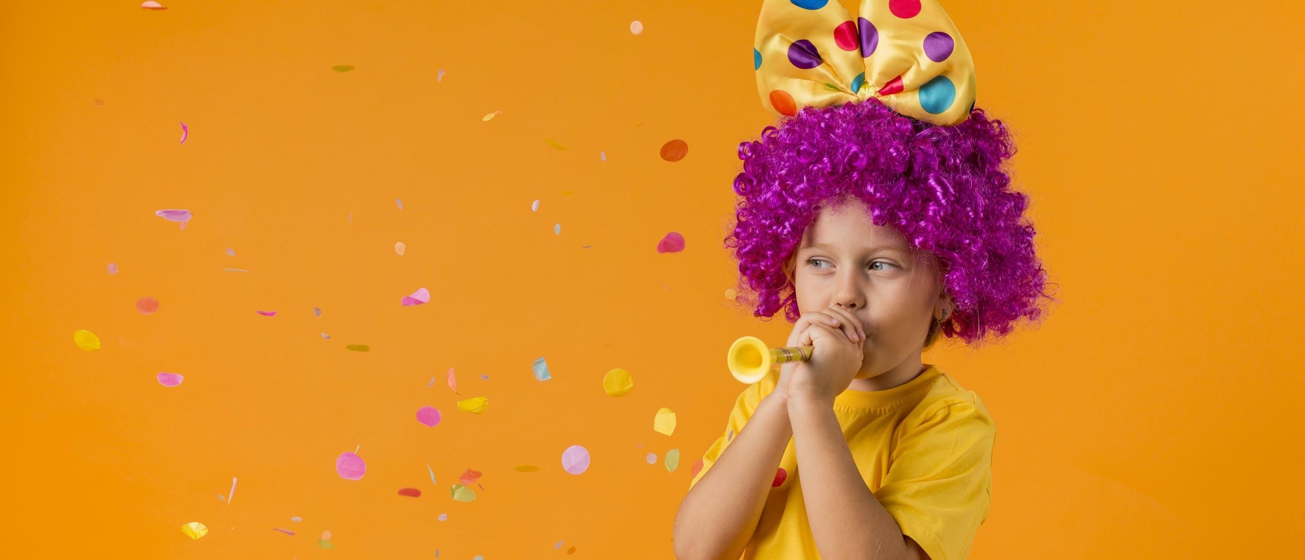 Hoera! De 300ste dramales in onze lesmethode! 1+1 gratis bij kaartspel 'Wie, Wat, Waar'!