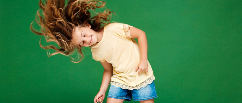 I like to move it! - dansend door de woonkamer als een dier