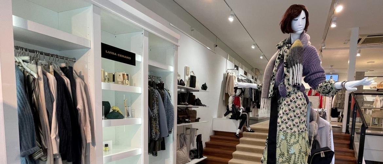 Het komende fashion seizoen '21/'22 komt er met grote stappen aan. Heeft u onze nieuwste etalages al gespot?!