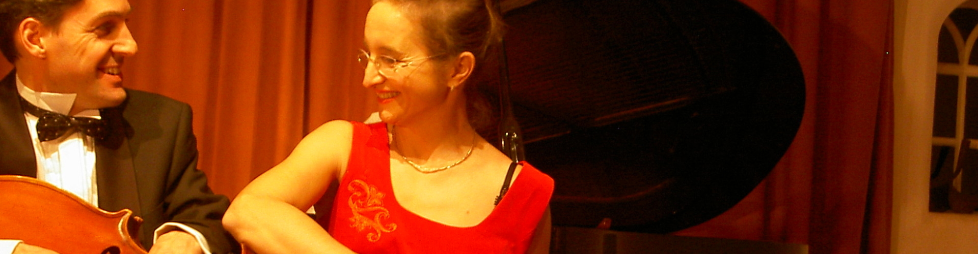 Live Muziek en Les op Cello en Piano