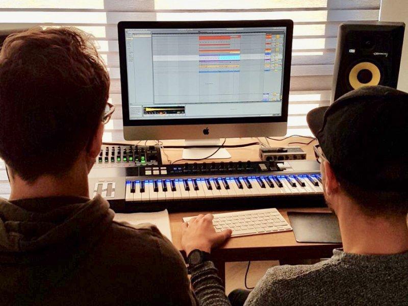 Leren hoe je je creatieve ideeën voor je nieuwe track kan uitwerken?