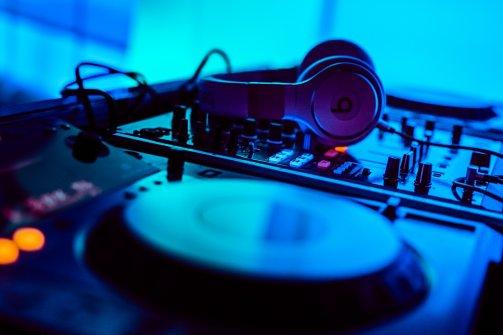 Leer draaien als een echte professionele DJ!