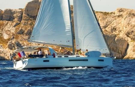 Sun Loft 47 sailing