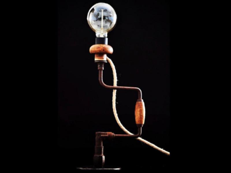 oude-handboormachine-lamp