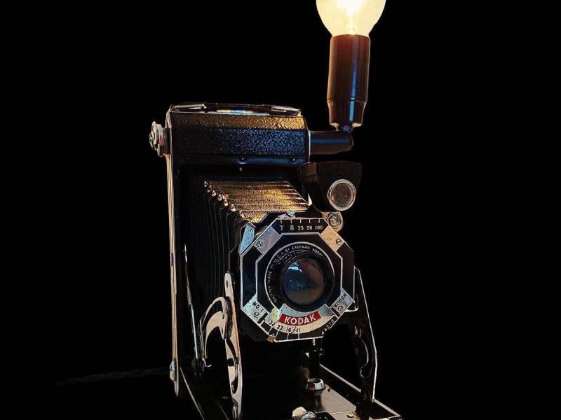 kodak-camera-lamp