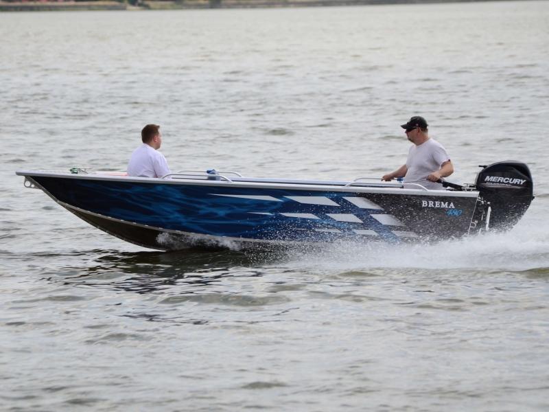 Brema aluminium visboot varend