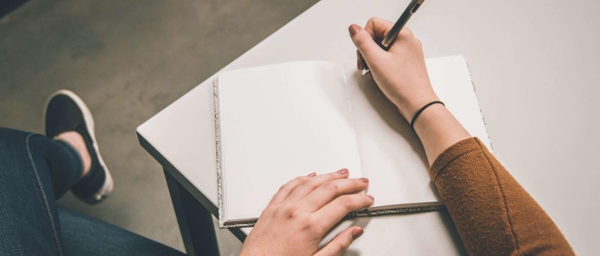 Brieven schrijven naar gevangenen: hoe doe je dat?