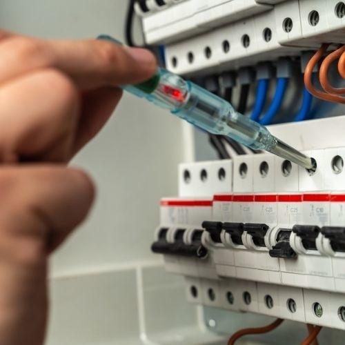 laadpaal laten installeren door erkend installateur.