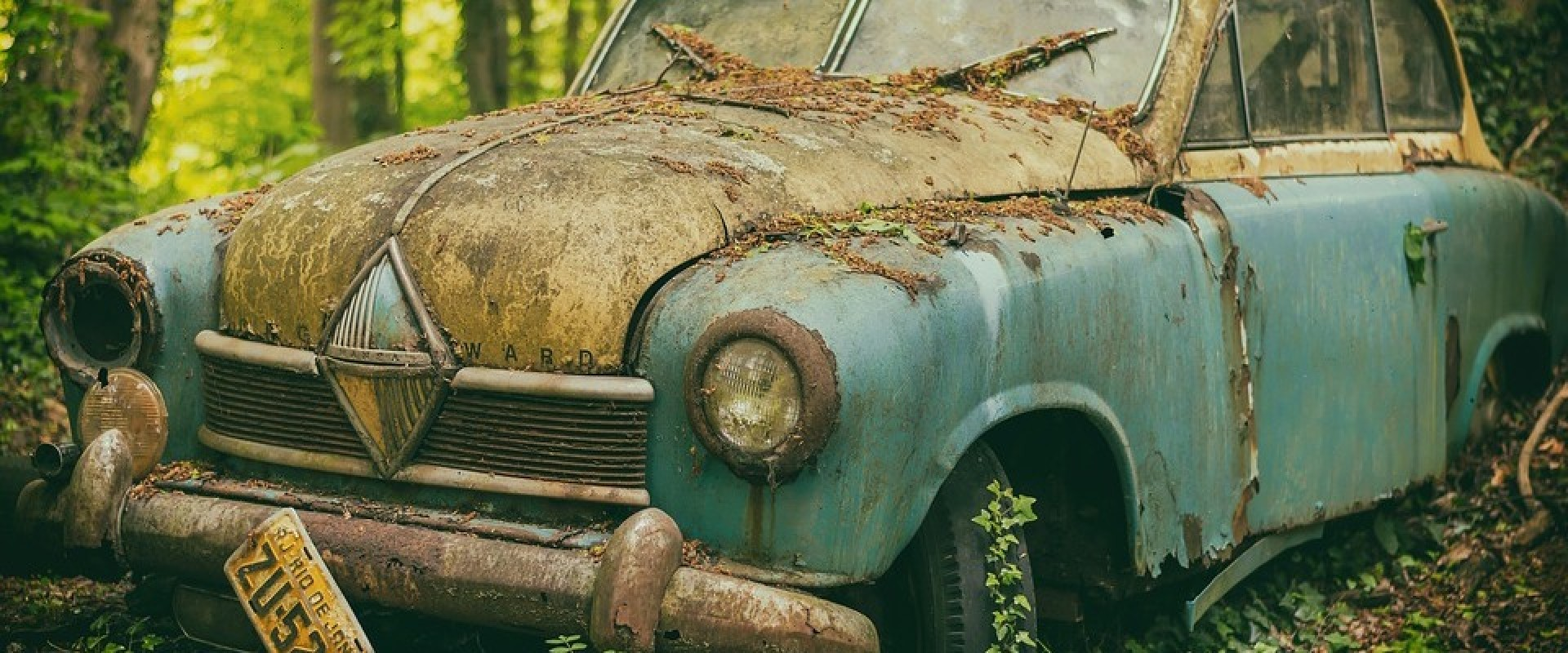 Te koop: Auto zonder veiligheidsgordels…