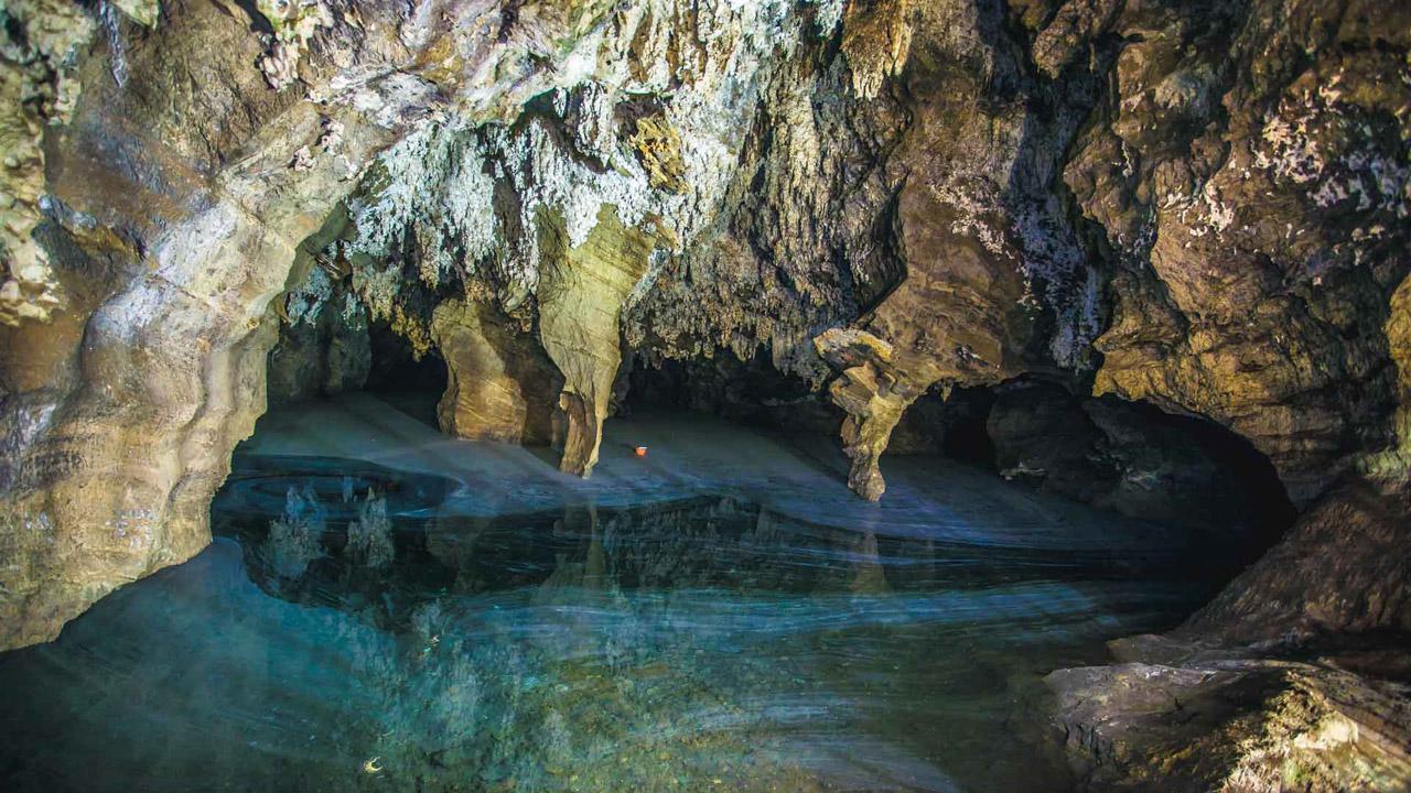 cradle-of-humankind-sterkfontein-caves-maropeng.jpg