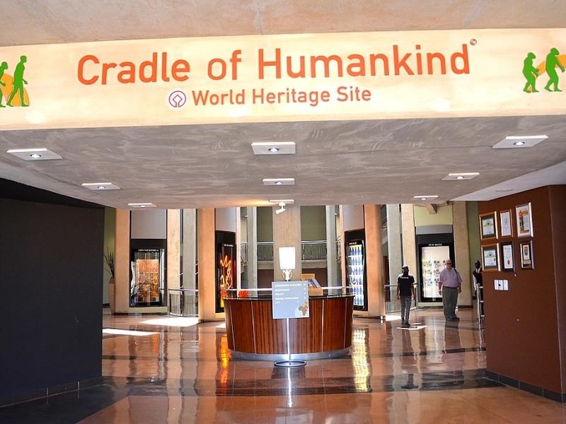 maropeng_visitor_centre_cradle_of_humankind_south_africa.jpg