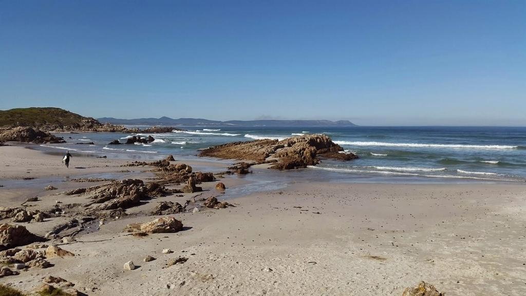 kammabaai-beach-hermanus-south-africa