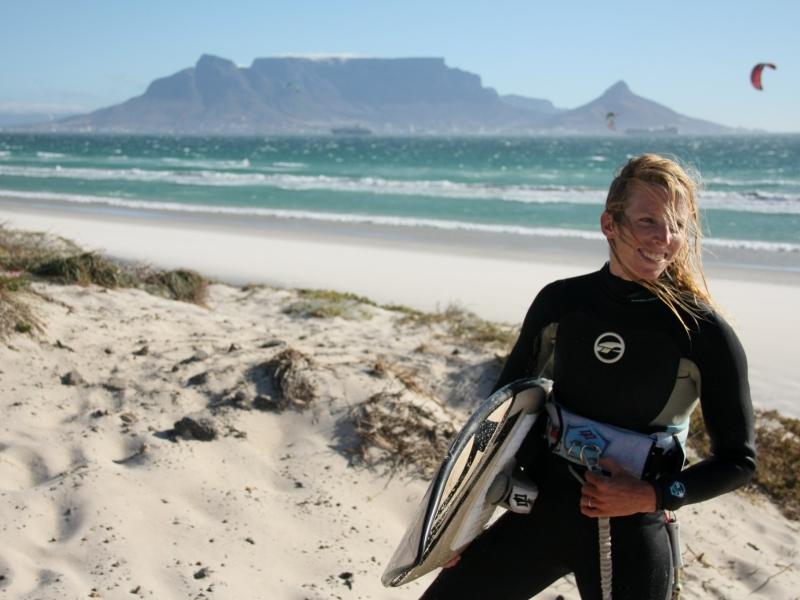 surfen bloubergstrand zuid afrika