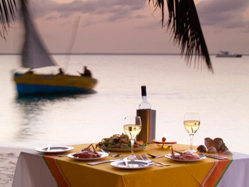 mozambique-dinner-strand