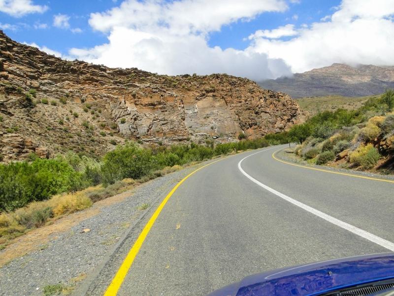 sani-pass-rijden-zuid-afrika-auto-weg