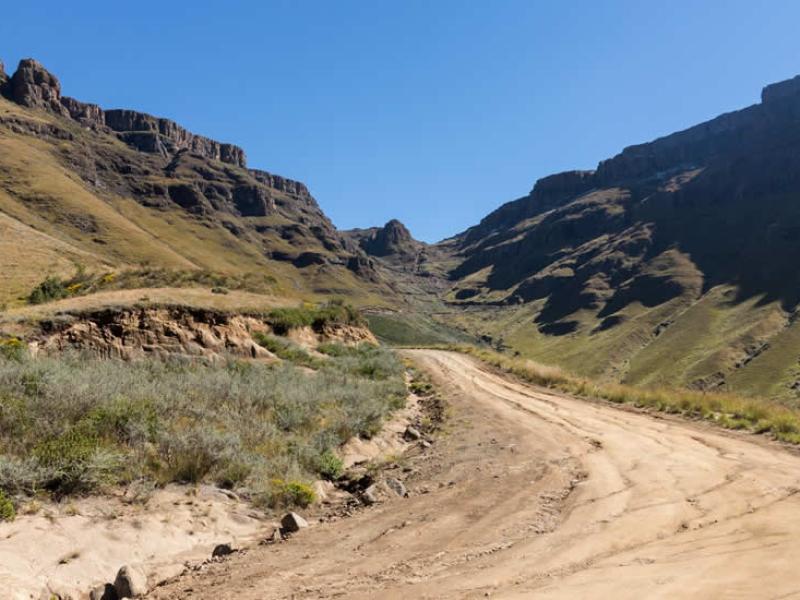 sani-pass-rijden-zuid-afrika-drakensberge
