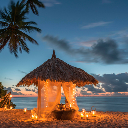 seychellen-diner-op-strand