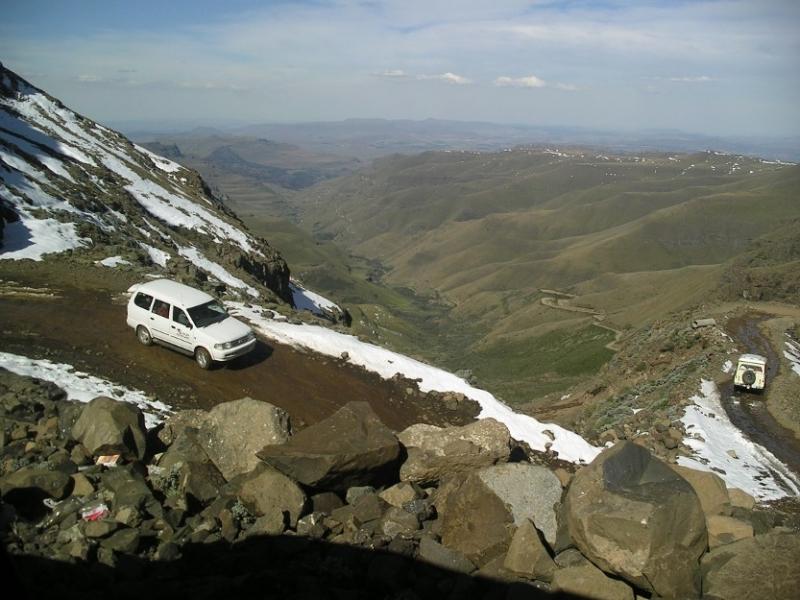 sani-pass-rijden-zuid-afrika-drakensbergen_four_wheel_drive