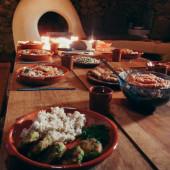 Smakelijke wereldgerechten, vegetarisch en biologisch van eigen bodem tijdens yogaweek met coaching in Portugal