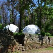 Unieke slaapaccomodaties in domes midden in de natuur in Portugal