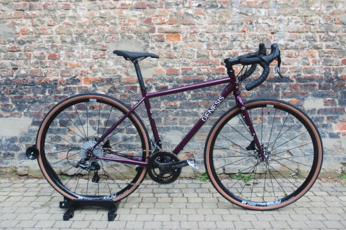 Custom build gravel bike Croix De Fer 725 GENESIS Bikes
