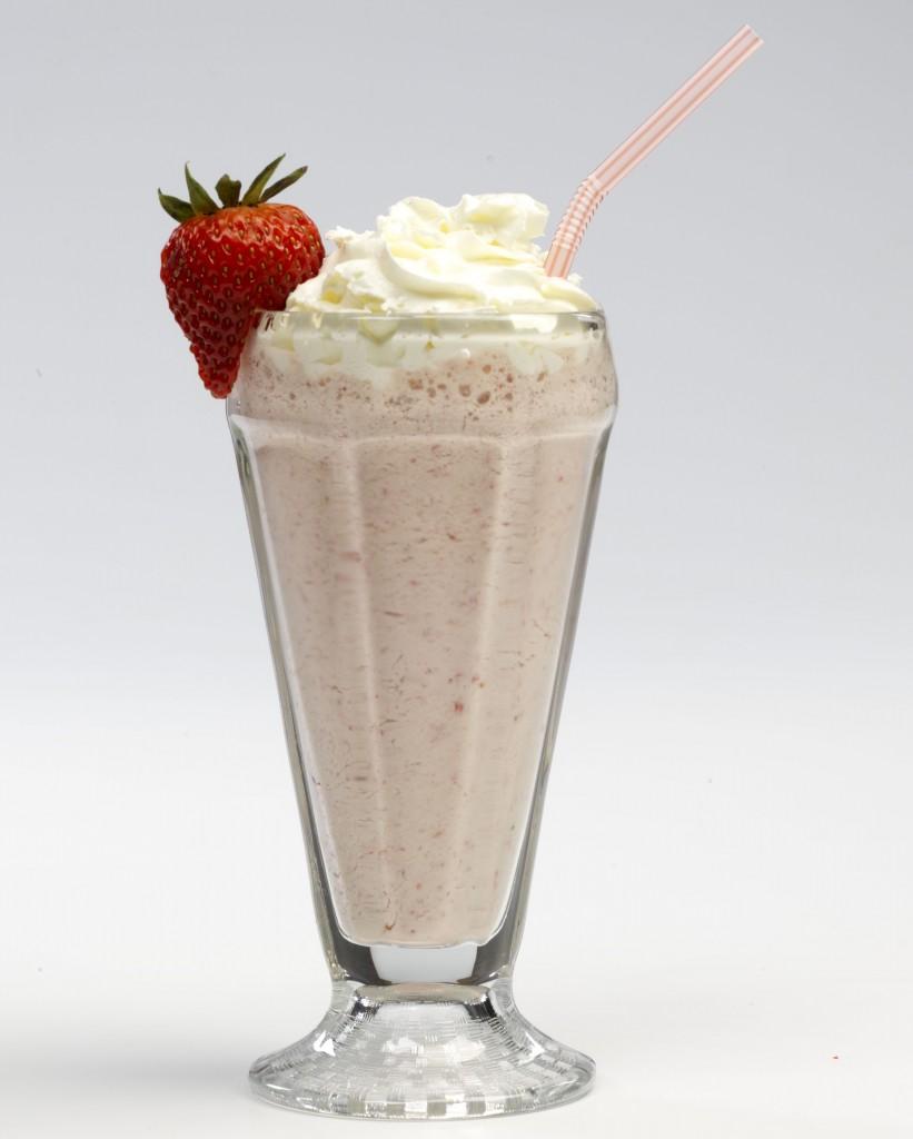 Strawberry milkshake 006