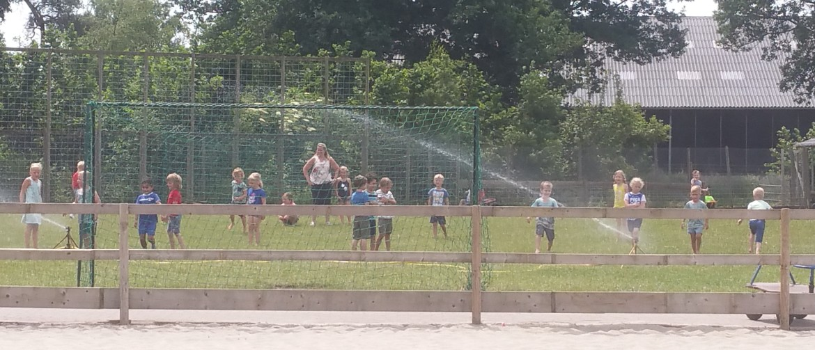 waterpret in de speeltuin