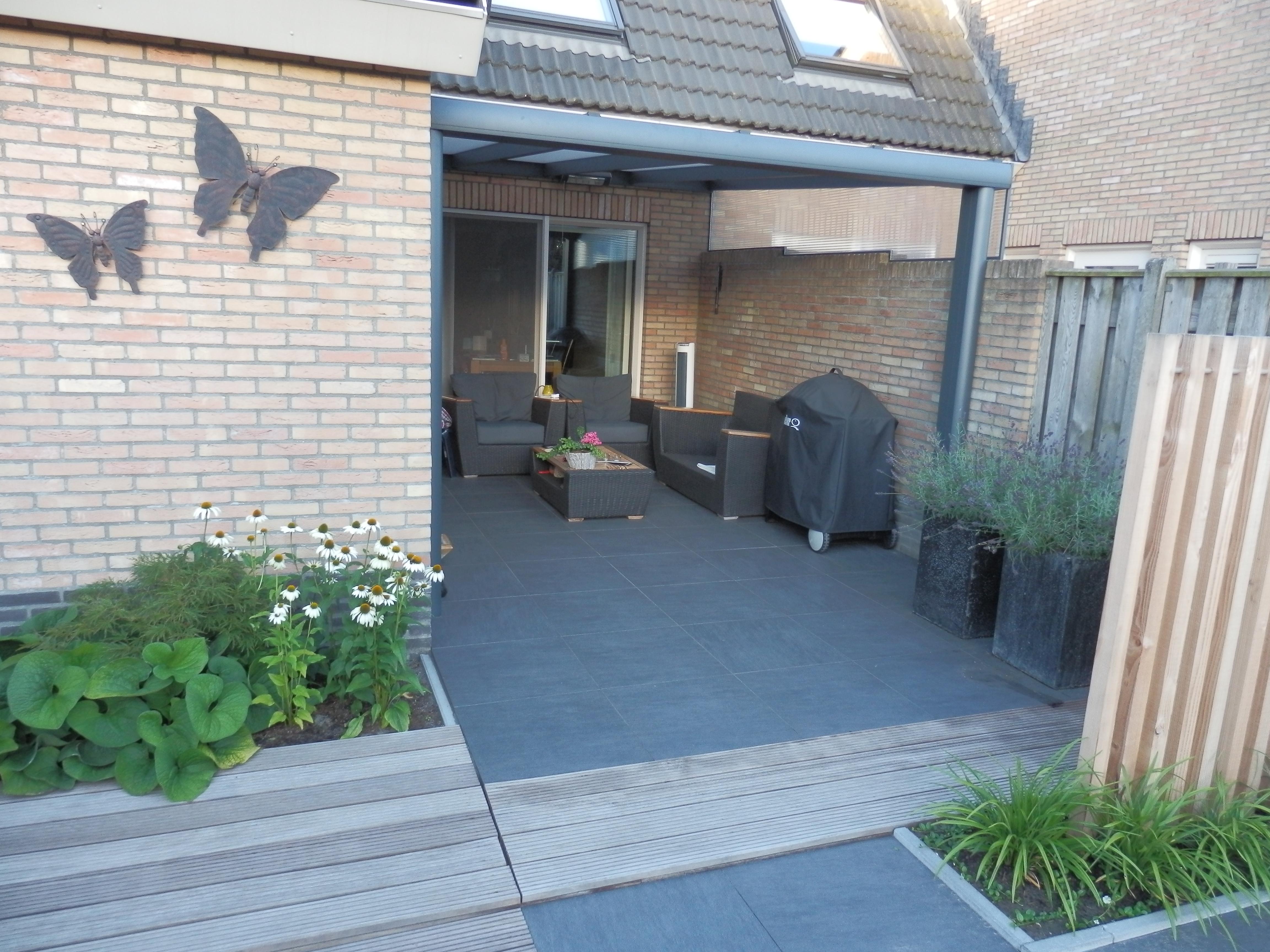 Tuin Met Keramische Tegels.Keramische Buitentegels Alle Voor En Nadelen Op Een Rijtje