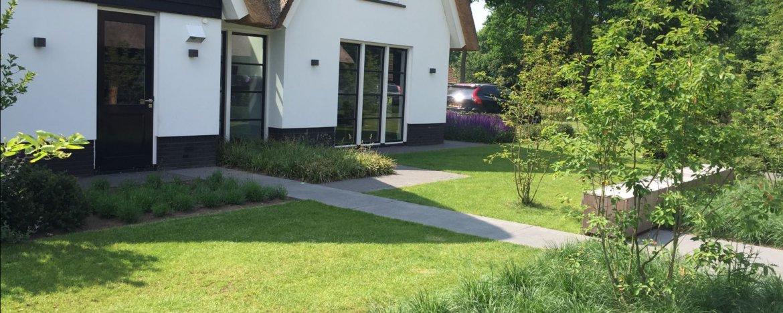 Tuin inspiratie opdoen met 50 voorbeeldtuinen en idee n for Eenvoudige tuinontwerpen