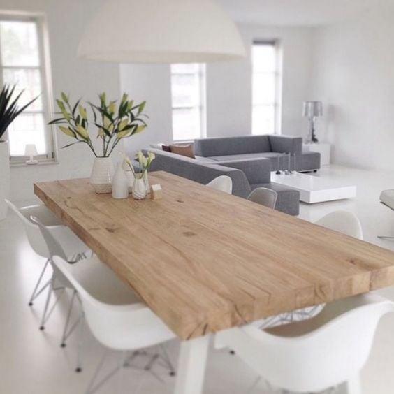 Witte Tafel Zwarte Stoelen.Interieur Trap Wit Hout Residentie Trap Foto Van Jacquesdurocher