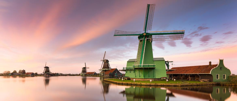 Discover Old Holland: The Zaan region with windmills village 'Zaanse Schans'.