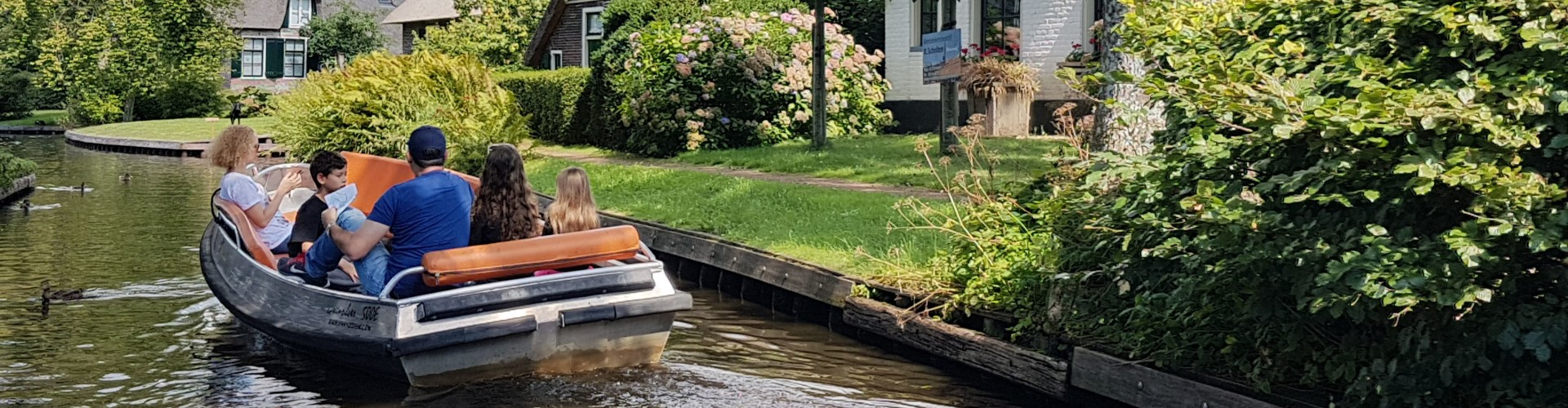 Boat ride in Giethoorn canal