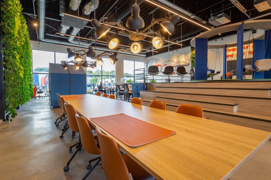prettige werkomgeving in het kantoor van Cape Group