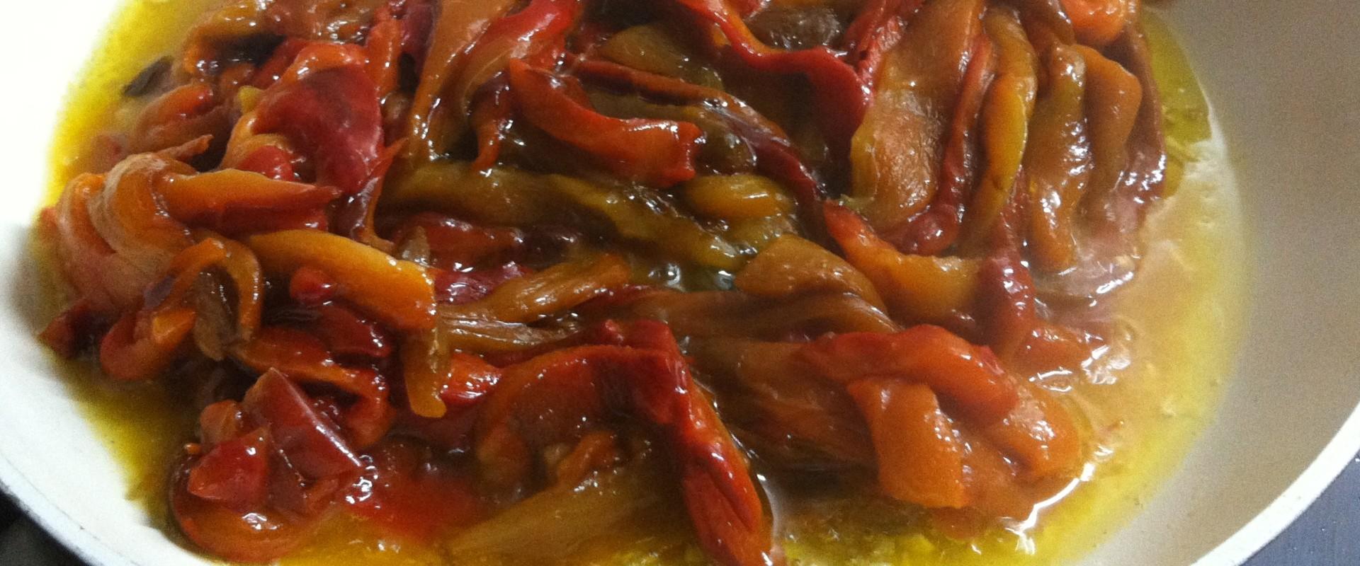 Geroosterde Paprika's in Vinaigrette (Pimientos Asados en Vinagre)