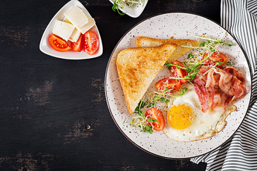 Spaans ontbijt met vlees