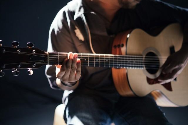 linkshandige gitaar leren spelen