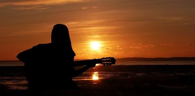 Je zang begeleiden op gitaar