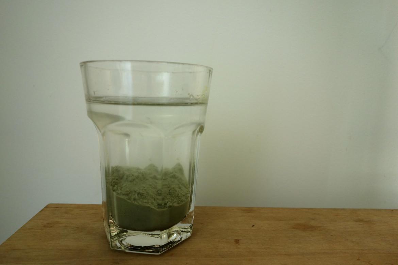 Groene klei drink kuur