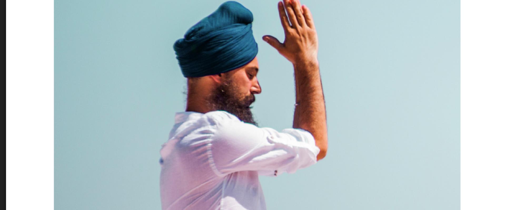 Dit Is Exact Hoe Je Kundalini Yoga In 2020 Moet Beoefenen...En Dus Niet Zoals Het Werd Onderwezen Door Yogi Bhajan In 1969